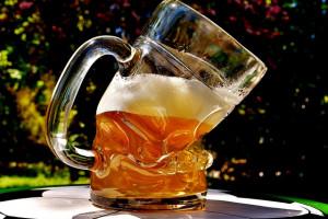 21 proc. Polaków przyznaje, że zdarza im się prowadzić po alkoholu – badanie