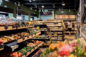 1/3 sklepu dla żywności ekologicznej w nowym sklepie Carrefoura we Francji