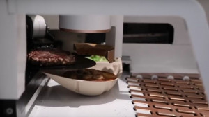 W USA powstał robot do robienia burgerów