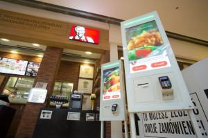 KFC wyposaży lokale w kioski samoobsługowe