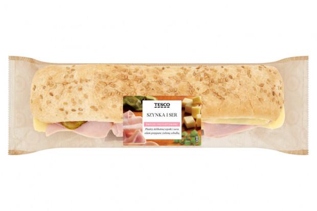 Tesco wprowadza do oferty świeże kanapki i sałatki
