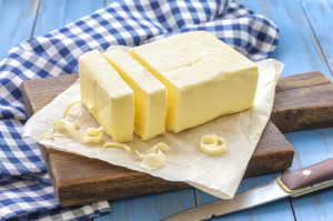 Ceny masła ponownie wzrosły. To przez suszę