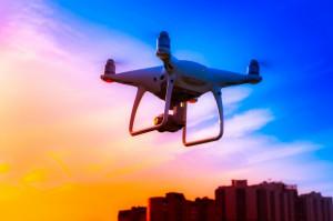 Zakupy przez drony: Konsumenci nie tak szybko skorzystają z innowacyjnej usługi