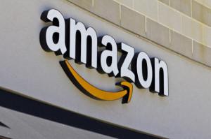 Amazon rekrutuje. Płaci 1200 zł za przyprowadzenie pracownika