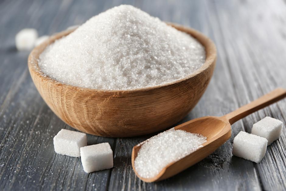 Analiza: Cukier w sklepach coraz tańszy