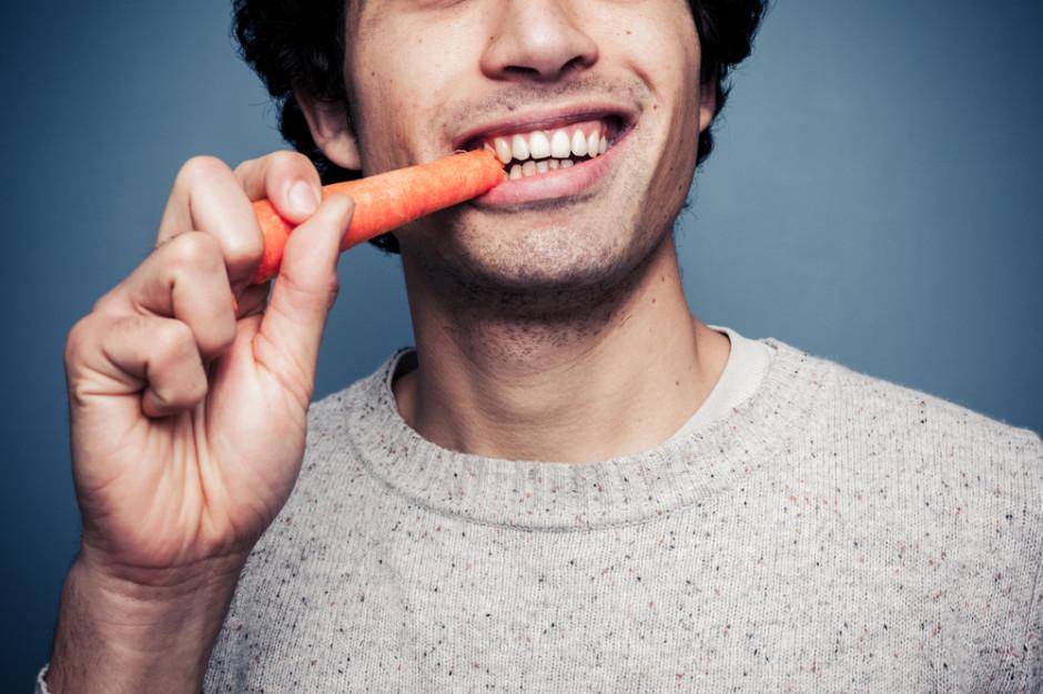 Badanie: Tylko 12 procent Polaków sięga po warzywa kilka razy dziennie