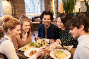 Gastronomia: Wiele lokali wciąż nielegalnie wystawia niefiskalne rachunki