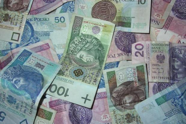 GUS: Przeciętne wynagrodzenie wzrosło w II kw. o 7,1 proc. rdr i wyniosło 4.521,08 zł