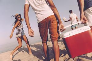 GIS radzi brać na plażę i wycieczki żywność w lodówce