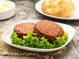 Niemiecki gigant mięsny zacieśnia współpracę z producentem roślinnych alternatyw dla mięsa i ryb