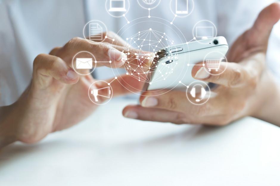 Badanie: Polacy przekonują się do mobilnych aplikacji programów lojalnościowych