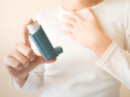 Chorzy na astmę narażeni na otyłość