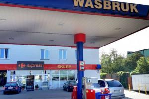 Carrefour wdrożył nowy koncept sklepu franczyzowego na stacjach paliw