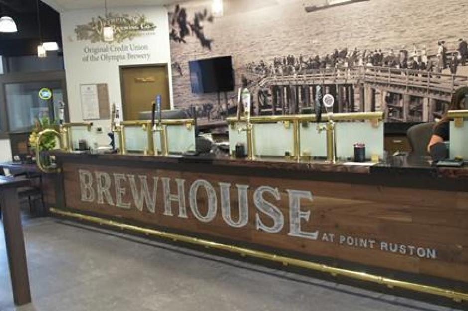 Piwo z nalewaka w banku?
