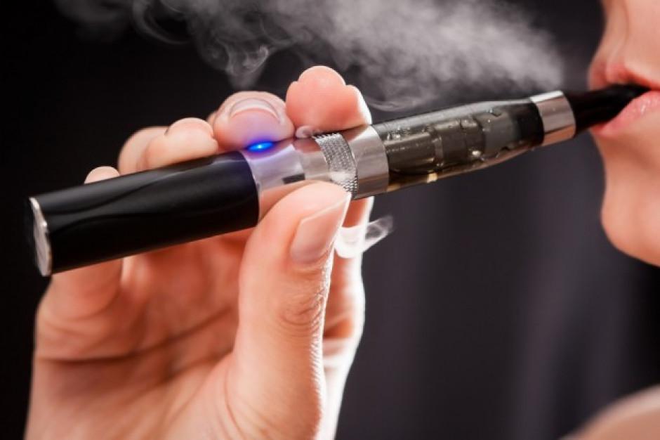 Aerozol z e-papierosów negatywnie wpływa na czynność płuc
