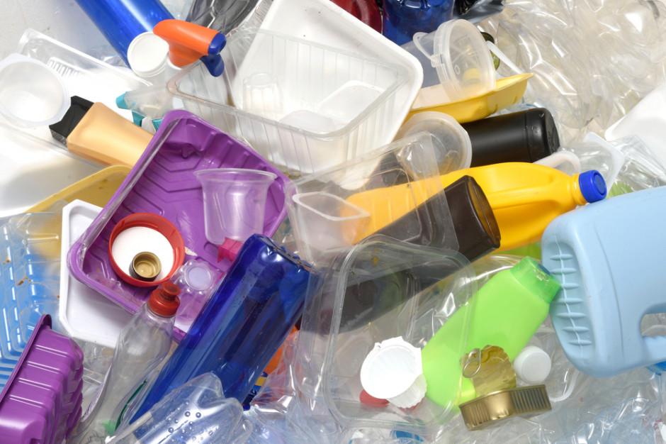 Parlament Europejski walczy z plastikiem