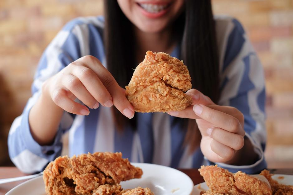 Młodzi konsumenci napędzają popyt na mięso z kurczaka