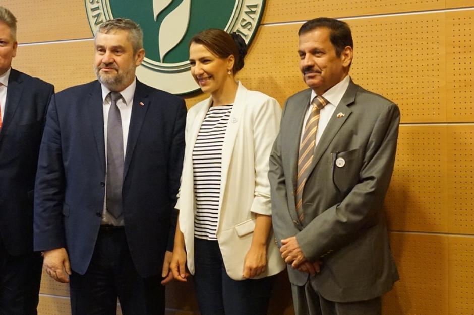 Rozmowy o wymianie rolno-spożywczej Polski i Zjednoczonych Emiratów Arabskich