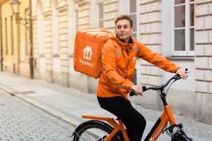 Darmowe rowerowe dostawy Pyszne.pl wkraczają do Krakowa