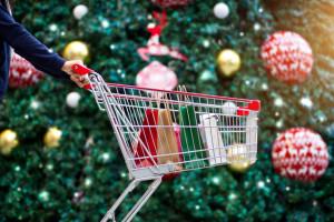 Deloitte: Polska rodzina przeznaczy na święta o 6 proc. więcej niż rok wcześniej