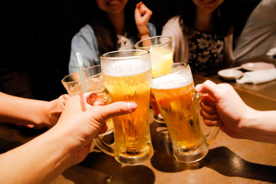 Raport IJ o społecznych i ekonomicznych skutkach nadmiernego spożywania alkoholu