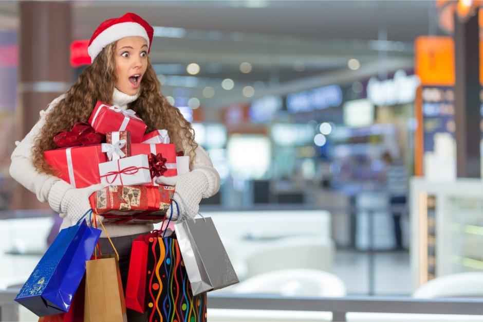 Ile dni musimy pracować, aby zarobić na świąteczne wydatki?