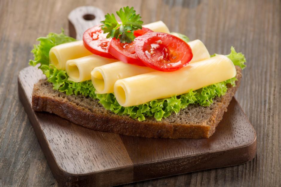 Wyrzucona kanapka z serem to 90 litrów zmarnowanej wody