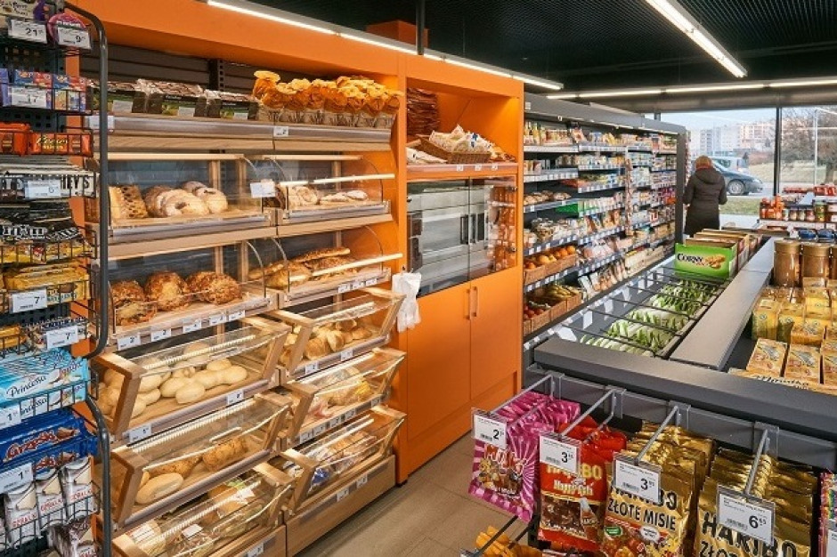 Carrefour rozwija współpracę z właścicielami stacji paliw