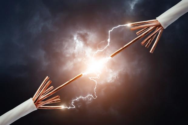 Porazi nas drogi prąd. Wyhamują inwestycje