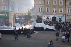 Kolejki do szklanej kuli McDonald's w Lublinie (wideo)