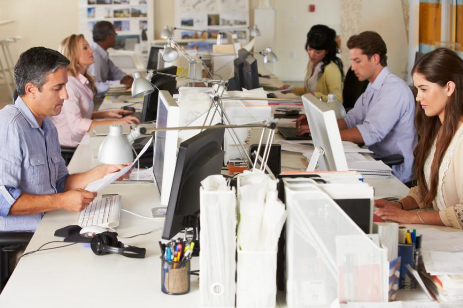 Nielsen: Jak pracownicy postrzegają obecny rynek pracy?