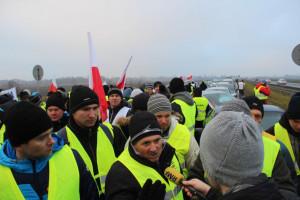 Protest na A2: Rolnicy żądają odszkodowań i realnej walki z ASF