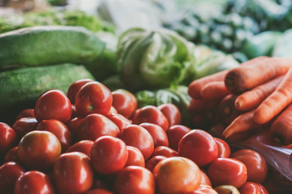Bronisze: Przed świętami drożeją warzywa. Ceny znacznie wyższe niż przed rokiem