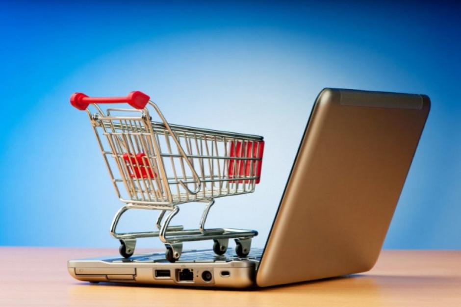 Starsze osoby coraz częściej są klientami e-sklepów