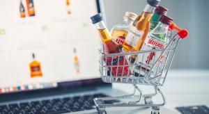 KAS tropi nielegalny handel w Internecie