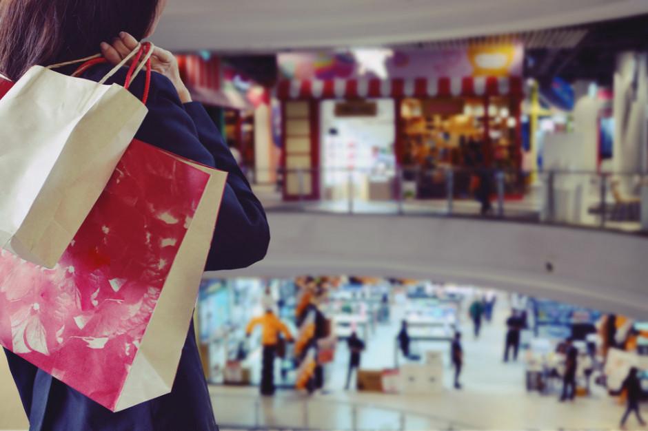 PRCH: Przed świętami obroty w centrach handlowych rosną o niemal 100 proc.