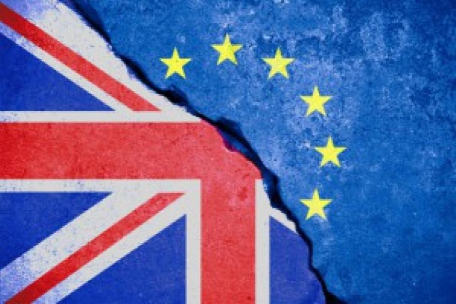 KE przyspiesza przygotowania do scenariusza Brexitu bez umowy