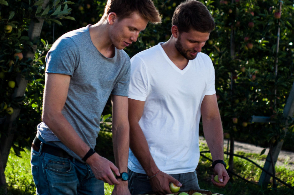 Bracia Sadownicy: Sprzedaż markowych jabłek ma sens