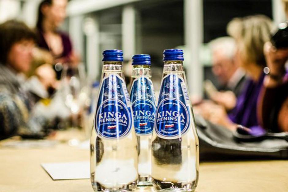 Kinga Pienińska: Prawie połowa gości restauracji zamawia do posiłku wodę