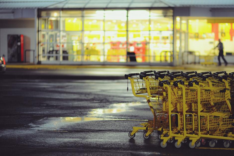 Skrócone godziny otwarcia sklepów w Sylwestra