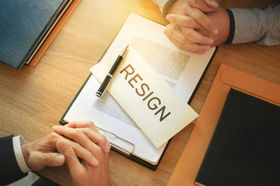 Firmy podwyżką walczą o fachowców i specjalistów