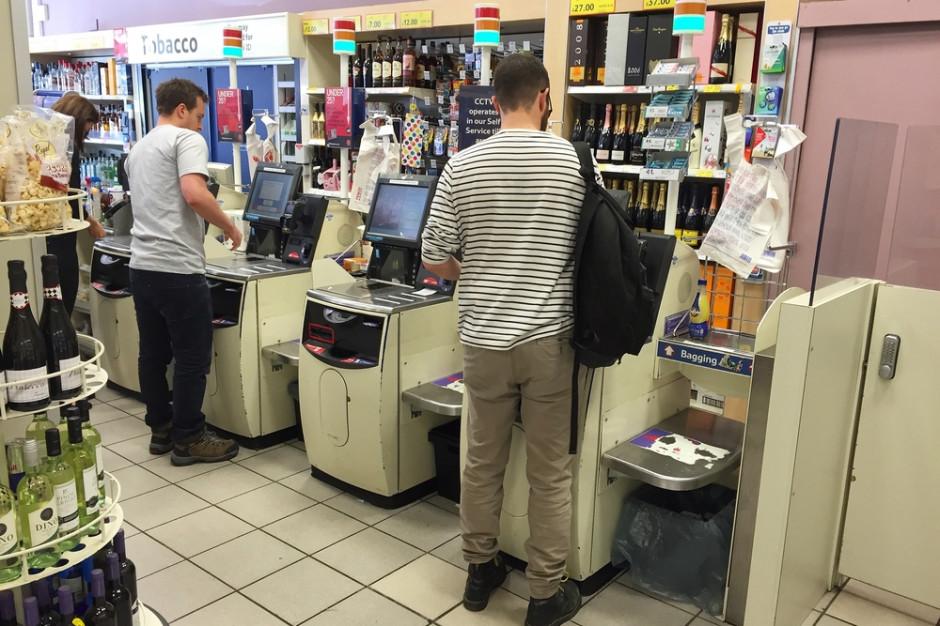 Kasjerki się boją. Stracą pracę przez automaty?