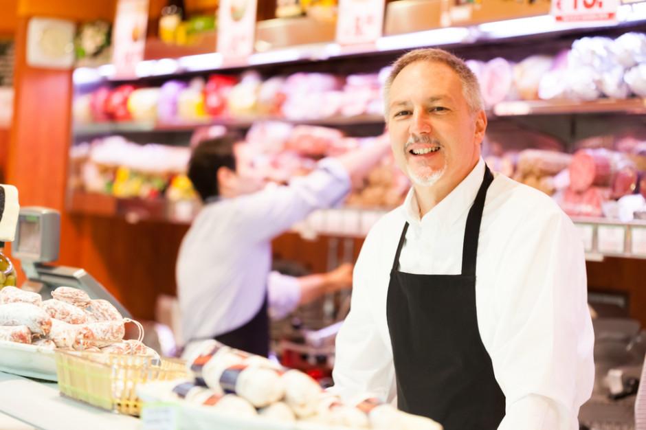 Niedzielny zakaz handlu przyczynia się do upadku małych sklepów?