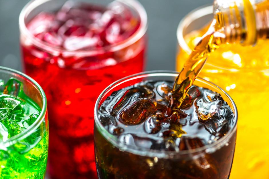 Słodkie napoje szkodzą nerkom