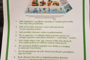 Zdjęcie numer 1 - galeria: IŻŻ zmodyfikował piramidę zdrowego żywienia najmłodszych. Zaleca więcej snu i ruchu!