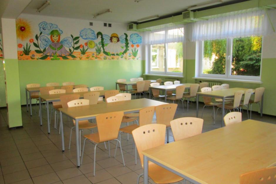 MEN przeznaczy 250 mln zł na poprawę standardu szkolnych stołówek