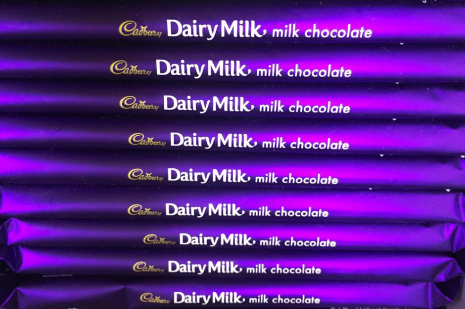 Mondelez i Cadbury odpuszczają batalię  prawną o ochronę fioletu na opakowaniach