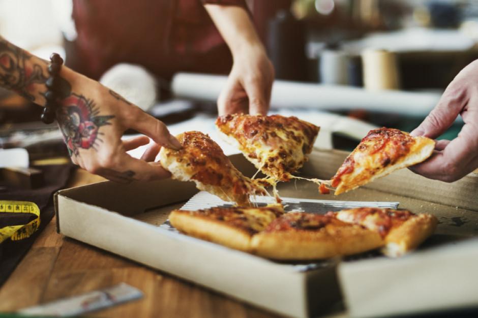 Pizza ciągle najpopularniejszym daniem w dostawie