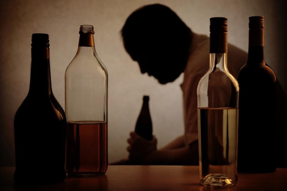 Co najmniej 39 osób zmarło wskutek spożycia alkoholu w Indiach
