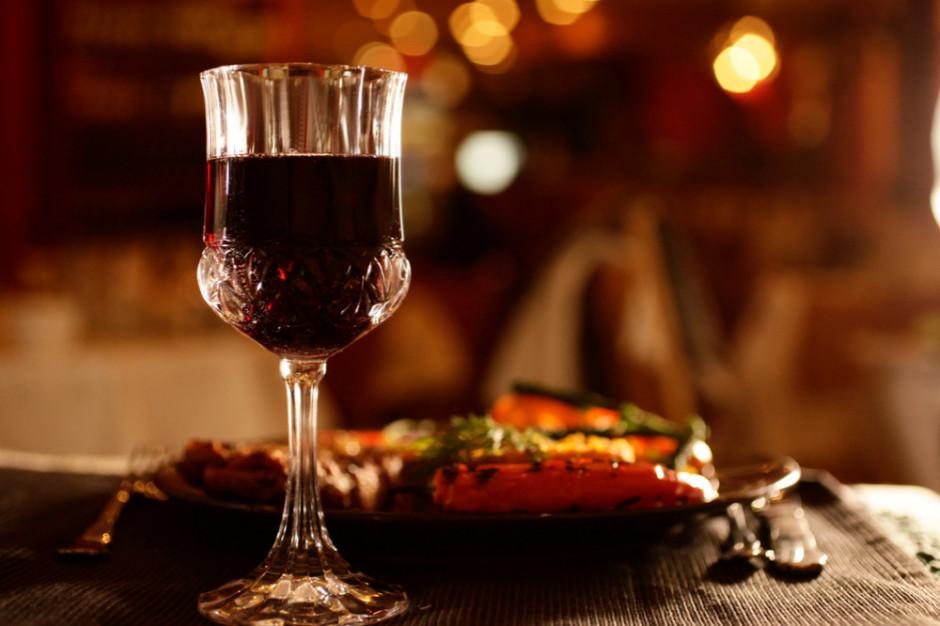 Francuzi piją coraz mniej wina